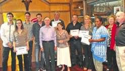 Les cinq vainqueurs de l'an dernier lors de la remise des prix organisée au restaurant  le Bout du monde, à Nouméa.