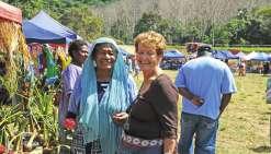 Les vieux de Poya en profitent  à la Fête du manioc et du taro
