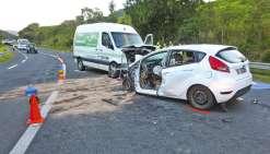 C'est vers 5 heures du matin que le choc a eu lieu dans le col de la Pirogue. Le fourgon a brusquement changé de voie et a percuté la voiture. La conductrice est morte sur le coup.