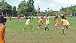 Un stage de foot  pour les filles à Vao