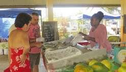 Plaisirs variés sur les étals du grand marché de VKPP