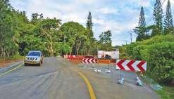 Un pont temporaire à la sortie de Plum