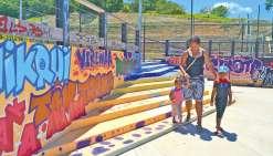 L'esplanade de Koucokwetaprend des couleurs