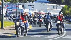 Une nuée de motards solidaires  des pompiers et des policiers