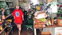 Le village de Houaïlou a été lourdement touché par les intempéries de la semaine  dernière. Dans le magasin LBK, l'eau est montée jusqu'à 1,30 mètre.