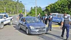 Les automobilistes se sont encore retrouvés bloqués. Mais, cette fois, ce sont les gendarmes qui sont entrés dans la tribu.