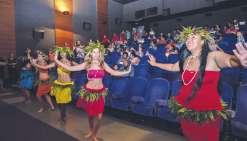 La compagnie Tamara, du Mont-Dore, a ouvertla séance inaugurale par une danse polynésienne.
