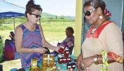 De bons produits artisanaux  et fermiers au marché de Naniouni