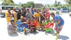 Les collégiens visitent le Carnival Legend