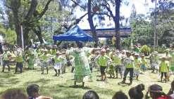 Les écoliers ont fait une dernière fête au marché de Waho