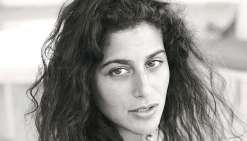 Anne Akrich, l'écrivaine polynésienne qui monte