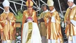 Mgr Cottanceau a été  ordonné archevêque