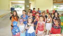Les enfants de Poya font leur carnaval