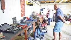 Les pièces d'un garage aux enchères