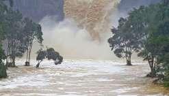 Inondations et pénurie d'eau à Auckland
