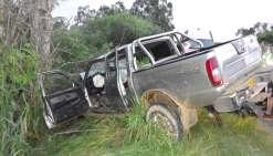 Le pick-up, circulant dans le sens Bourail/Nouméa, a fait une sortie de route mortelle deux kilomètres après le carrefour de Téremba, sur la commune de Moindou.