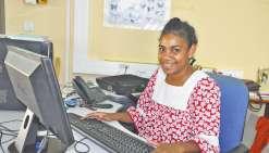 Hnaïa œuvre à réduire  la fracture numérique