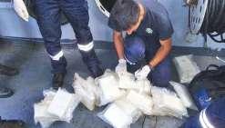 Des narcotrafiquants dans les eaux de Calédonie, c'est du déjà-vu. La marine avait déjà intercepté un voilier bourré de 200 kg de cocaïne « assez pure » en provenance du Pérou. Trois « mules » avaient été interpellées et envoyées à Paris.