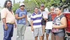 Chaque jour, toute la famille mène des recherches en mer pour retrouver le corps de leur frère Falaviano Paauvale. Lui  et sa compagne, également disparue dans l'accident, laissent derrière eux cinq enfants, âgés d'un an et demi à quatorze ans.
