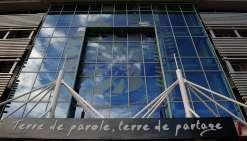 Huit cadres administratifs attaquent Philippe Germain