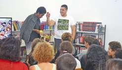 Collégiens et lycéens passionnés s'apprêtent à noter dix mangas