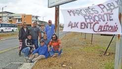 De petits entrepreneurs bloquent le Néobus
