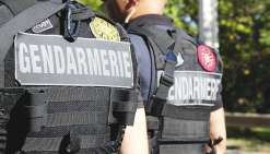 Les gendarmes ont mené une vague d'arrestations dimanche. Six personnes, soupçonnées d'avoir participé à cette flambée de violence, ont été interpellées et placées en garde à vue.