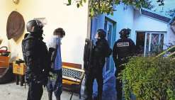 Le jeune conducteur qui a percuté les forces de l'ordre lors d'une course-poursuite a été  interpellé chez lui, mardi au petit matin, par l'unité d'élite de la police nationale, le GIPN.
