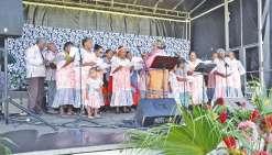 Plus de deux cents fidèles à Wakoné