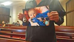 Bébé secoué : la nounou était suicidaire et à bout