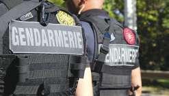 En plus de quatre arrestations, les gendarmes ont mené des dizaines d'auditions pour  comprendre le déroulé des violences. Le ou les tireurs sont toujours activement recherchés.