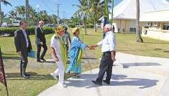 Annick Girardin découvre Lifou avant de rencontrer les maires