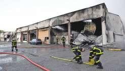 A Grenoble, le garage des gendarmes part en fumée