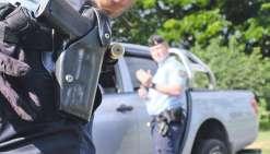 Une voiture volée cible les gendarmes, ils ripostent