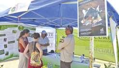 « Sensibiliser le public et les horticulteurs à l'importation des plantes, protéger le territoire des espèces invasives » : le Sivap (Service d'inspection vétérinaire, alimentaire et phytosanitaire) était présent sur le salon, comme le Conservatoire des e