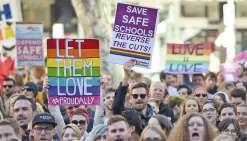 Le Sénat adopte la loi sur le mariage gay