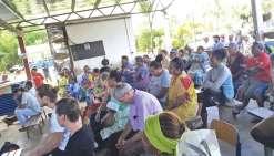 Parents d'élèves, coutumiers, représentants de la mairie et des églises… Plus d'une centaine de personnes ont participé hier à la rencontre organisée à l'école de Nakéty.