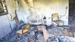 Le bâtiment « 3C » du lycée Père-Guéneau de Bourail a été complètement détruit par un incendie qui s'est déclaré dans la nuit de dimanche à lundi. Le centre de culture et de connaissance, inauguré l'an passé et qui a coûté plus de trente millions de franc