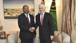 Les Premiers ministres vanuatais et australiens, Charlot Salwai et Malcolm Turnbull.Photo Vanuatu Daily Post