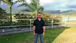 Arrivé en Calédonie en 2008, le jockey espère briller une dernière fois samedi à l'hippodrome Henry-Milliard.Photo A.L.