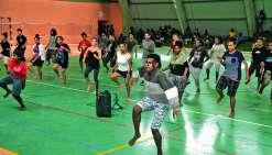 Une quarantaine d'élèves ont appris avec Djadam, de Moebius danse, une nouvelle chorégraphie. Photos C.O.