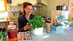 Emmanuelle Roy combat sa maladie en mangeant sainement et propose à ses clients une restauration identique à la sienne.Photo E.J.
