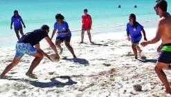 Des ateliers mais aussi des matches de touch rugby ont rythmé les deux jours  de rencontre entre les deux clubs. Photo DR
