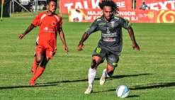 Richard Sélé, ici lors d'un match aux Salomon en phase de groupe, a ouvert le score hier à Tahiti. Photo OFC