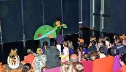Les enfants ont pu voir quatre spectacles quotidiens de Julie Dupré.Photos K.B.
