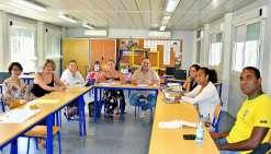 Catherine Lehmann et Claudine Richard (1re et 2e à gauche) du bureau de la promotion de la santé en milieu scolaire, du service de la vie scolaire, de la santé et du social (SV3S) au sein du vice-rectorat, ont assuré de main de maître cette formation. Pho
