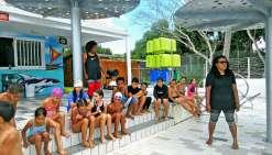 Les jeunes vacanciers ont pu profiter des installations du Grand Bleu et s'ébattre dans la piscine, une détente non négligeable sous un soleil de plus en plus chaud.