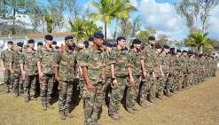 Les 140 soldats de la 9e compagnie de combat du premier régiment d'infanterie, arrivés tout droit de Sarrebourg (Mozelle), et commandée par le capitaine Louis, ont pris jeudi matin officiellement leur quartier au camp de Nandaï. Parmi eux, treize hommes d