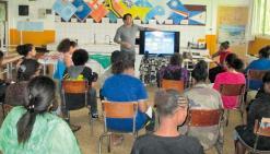 Des collégiens de Téouty et leurs parents ont notamment assisté à la présentation du lycée professionnel François d\'Assise de Bourail.