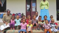 La tribu de Méhoué prend soin de sa petite école